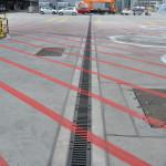 Das Entwässerungskonzept eines Flughafen-Vorfelds stellt besondere Anforderungen an Belastbarkeit und Effektivität.